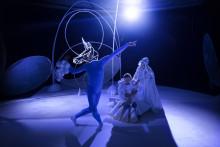 Baby extravaganza i Unga på Operans nya verk Myriader av världar – ett unikt allkonstverk där bebisarna är delaktiga