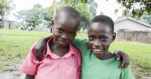 Frisörer klipper för att fler barn ska klara sin examen
