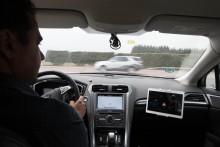 Sirenen von Notfall- und Einsatzfahrzeugen: Neue Technologie hilft Fahrern beim frühzeitigen Erkennen von Sondersignalen