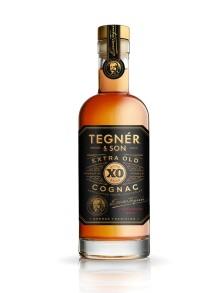 Med Julsnaps och Extra Old Cognac Julutgåvan 2016 visar Tegnér & Son hur årets jul smakar.