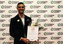 """Lärarvikarien och fotbollsspelaren Selwan Aljaberi 26 år (Skärholmen) tilldelas priset """"Årets Idrottsprofil"""" för sina insatser inom skola"""