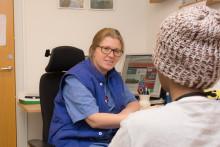 Grundläggande sjukvård för nyanlända