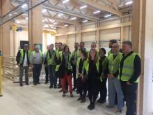 De vill lära av svenskt industriellt byggande i trä