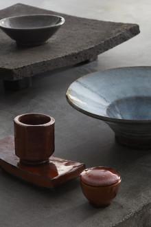 Calle Forsberg, Finkrog och vardagsbord,  keramik för bordet 27 augusti – 14 september på Konsthantverkarna