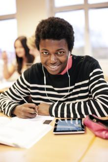 Studiestöd på modersmål - en stor satsning på nyanlända elever