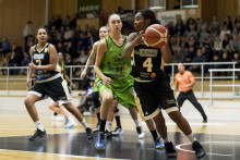 BASKETLIGAN DAM: Tiasha Gray i Mark Basket blir Årets MVP och Årets Guard