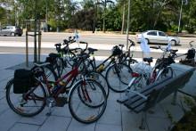 Många Vellingebor vill resa miljövänligt - kommunen laddar med extra cykelställ