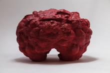 Organisk skulpturkonst med ackompanjemang.