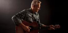 TOMMY EMMANUEL - En av världens främsta gitarrister på Sverigeturné