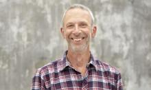 Hemvändande Peter Streijffert lyfter fram klimatpositiv odling på Nolia Trädgård