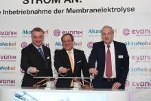 Ministerpräsident Armin Laschet eröffnet Membranelektrolyse von AkzoNobel und Evonik