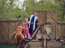 Premiär för färgstark komedi i slottsparken