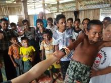 Clowner utan Gränser sprider hopp i Burma