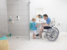 Nyhet! Hygienstolen Aquatec Ocean Ergo, utvecklat för ett bekvämt och stabilt sittande.