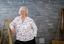 Suzanne Axell och Tina Ahlin mönstrar på Viking Lines Rosella