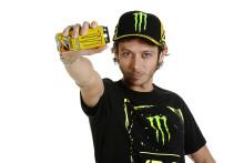 Monster lanserer energidrikk med Valentino Rossi