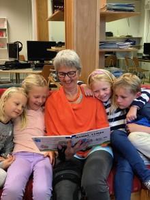 Danske Egmontfondet gir 1,6 millioner kroner i lesehjelp til norske barn