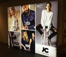 Ny och fräsch butiksskyltning till JCs alla butiker