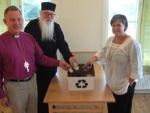 Sveriges kyrkor kräver fredliga mobiler