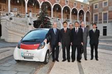 "Mitsubishis el-bil ""i MiEV"" provkörd av HKH Prins Albert i Monaco"