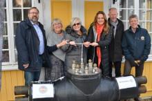 Samarbetet hyllades vid invigning av nya fjärrvärmeledningen mellan Tvåstad