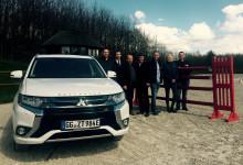 In Rostock geht es rasant zu: MITSUBISHI MOTORS erstmals Partner der DKB-Pferdewochen