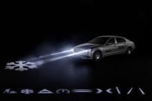 Framtidens bilstrålkastare är här – Projicerar symboler på vägarna.