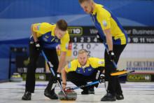 Viktig seger för de svenska curlingherrarna mot Skottland