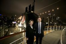 Hurtigruten og dronning Sonjas stiftelse med samarbeid: Skal utsmykke verdens første hybridskip