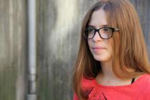 Att vara 14 år och full av hemligheter – Johanna Larsson återkommer till Backa Teater
