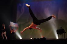 Voiko tanssilla vaikuttaa yhteiskunnan rakenteisiin?