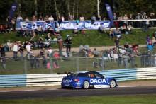 Tuff avslutning för Andersson och Dacia Dealer Team