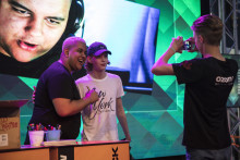 Nyanlända går på Dreamhack Winter med streamingstjärnan YZN och Dreamhack Crew