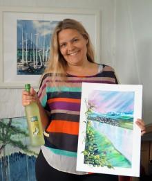 Lilja Kristjánsdottir fra Byåsen Maleklubb dekorerer Ars Vitis