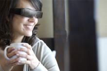 Kacamata Cerdas Moverio Mengubah Cara Kita Melihat Dunia