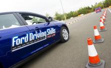 """Program """"Driving Skills for Life"""" přichází do Česka. Mladí řidiči se na bezplatných kurzech Fordu učí vzájemné ohleduplnosti mezi účastníky provozu"""