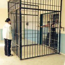 Migranter blir sjuka i grekiska interneringsläger