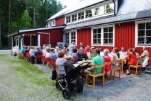 Biblioteksbussen till jubilerande Sveaborg på Kulturarvsdagen