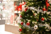 Satojen tuhansien eurojen arvosta matkoja suomalaisten joulukuusien alla