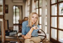 """Lisa Ekdahl släpper nya singeln """"I Know You Love Me"""" och avslöjar datum för nya albumet """"More of the Good"""""""