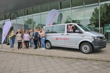 Santander sponsert Bus für Auftritte der Landesjugendensembles NRW