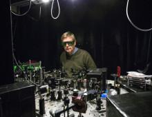 Vill skapa en levande laser