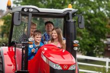 Den 8 juni fylls Skånes Djurpark av traktorer och bönder