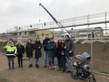 Välbesökt visning när BoKlok Pilkronan i Landskrona monterades