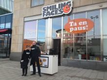 Smiling Faces värmer Kungsbron med kaffe och leenden!
