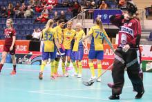 Sverige är vidare till semifinal i VM efter storseger mot Lettland