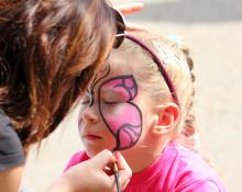 Kosmetika till barn brister i märkning och varningstexter