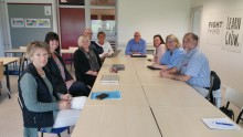 Politiker besökte skolor för dialogmöten