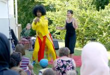 """Välkomna till en """"sjukt bra show"""" mitt i Vänskapsparken i Rosengård!"""