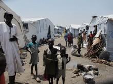 Sydsudan: Flyktingar beskjutna i flyktingläger